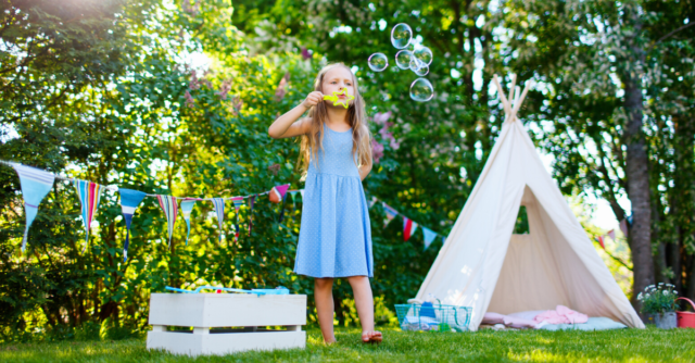 25 fun things to do in the garden with kids!