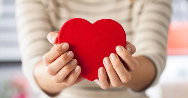 Share the love and join in #HeartsForMyHospice today!